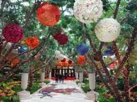 wynn-hotel-las-vegas-garden-walkway.jpg
