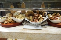 wynn-hotel-las-vegas-buffet-bread.jpg