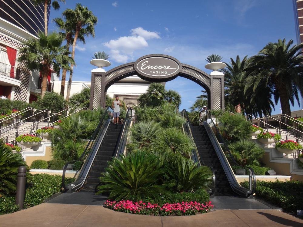 Wynn hotel casino las vegas opens new poker room for Jardin wynn